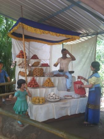 Loutolim, Indien: sweetmart store in goa