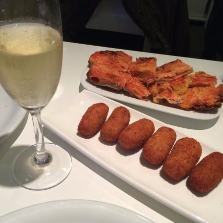 """Flash Flash Madrid: Delicioso """"pan tomaca"""" y deliciosas croquetas y cava"""