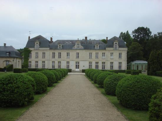 Chateau De Courcelles Photo