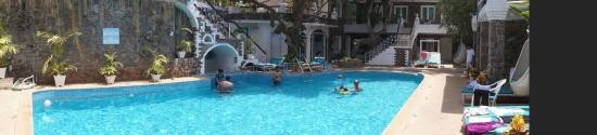 Anjuna, India: Central pool