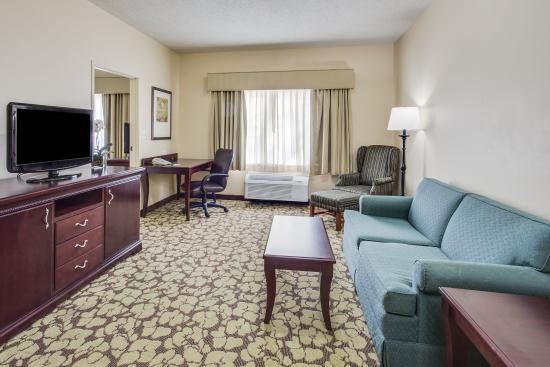 Country Inn & Suites By Carlson, Gurnee: CountryInn&Suites Gurnee Suite