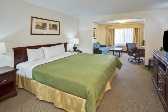 Country Inn & Suites By Carlson, Gurnee: CountryInn&Suites Gurnee JuniorSuite