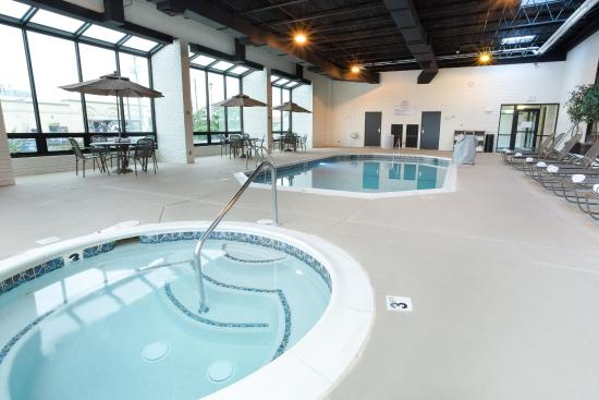 Drury Inn & Suites Joplin : Indoor Pool