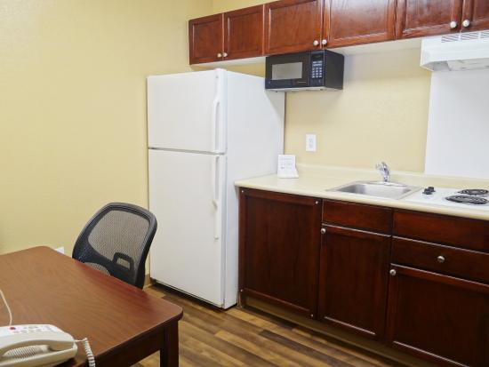 Extended Stay America - Jacksonville - Deerwood Park: Fully Equipped Kitchens