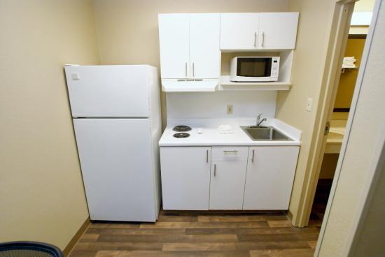 Extended Stay America - St. Louis - Westport - East Lackland Rd.: Fully Equipped Kitchens