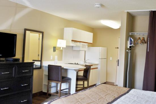 Extended Stay America - Milwaukee - Brookfield : Studio Suite - 1 Queen Bed