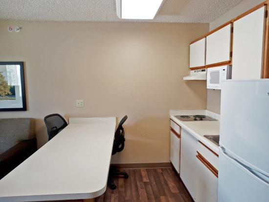 Extended Stay America - Fishkill - Route 9: Fully Equipped Kitchens