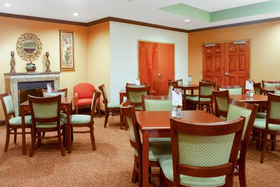 Holiday Inn Express Inverness: Breakfast Area