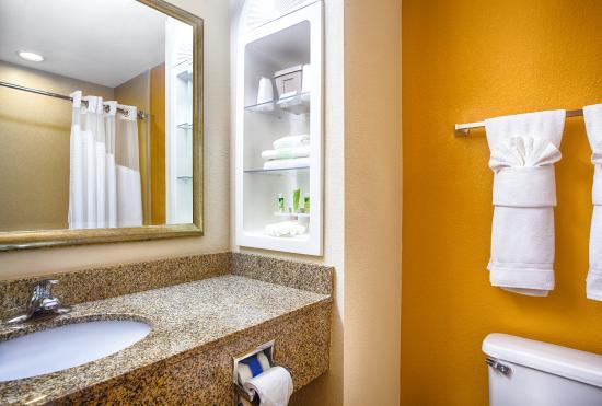 Lecanto, FL: Guest Bathroom