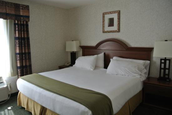 Holiday Inn Express Suites Dahlgren