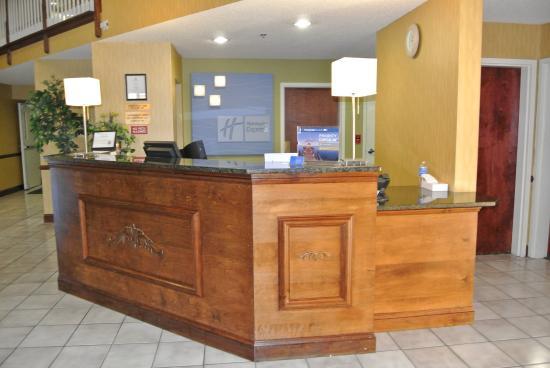 Dahlgren, VA: Front Desk