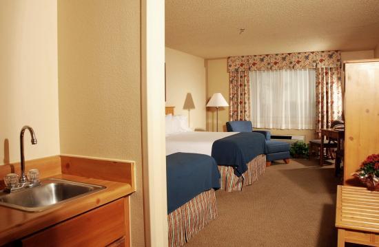 Lexington Inn & Suites - Goodyear / West Phoenix: Double Queen Executive Guest Room