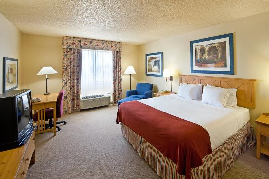 Lexington Inn & Suites - Goodyear / West Phoenix: King Bed Guest Room