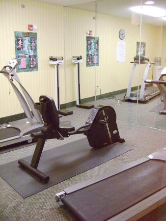 Holiday Inn Express Pikeville: Enjoy a workout in our 24hr Fitness Area.