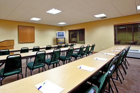 Pounding Mill, VA: Holiday Inn Express & Suites-Claypool Hill, Va Meeting Room