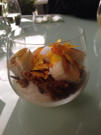 Aravina Vineyard Restaurant: Divine dessert - not sure what it's called. Like a sampling of a few