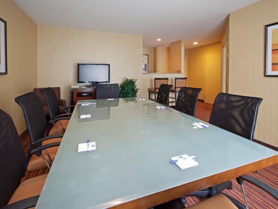 Belmont, CA: Boardroom Suite