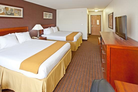 Grandville, Μίσιγκαν: Queen Bed Guest Room