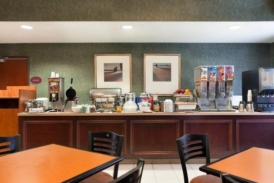Country Inn & Suites By Carlson, Dayton South: Breakfast Room