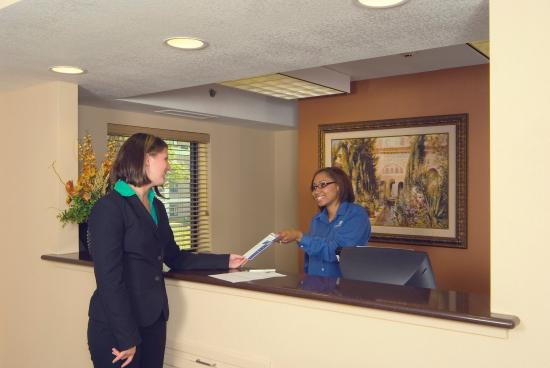 Candlewood Suites Indianapolis Dwtn Medical Dist: The front desk is available 24 hours a day!