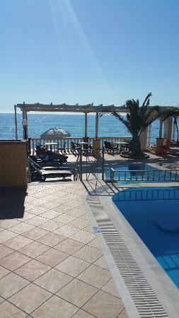 Sea Breeze Family Beach Hotel: 20160522_175122_large.jpg