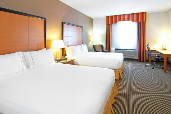 Holiday Inn Express Hotel & Suites Calgary South : Two Queen Beds