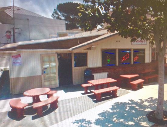 Cessy's Taco Shop: Vista exterior de Cessy´s