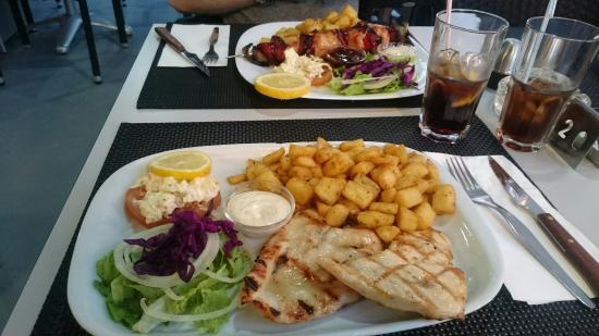 Buddy's Bar & Restaurant