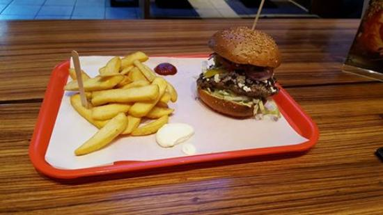 bad burger baden baden restaurant bewertungen telefonnummer fotos tripadvisor. Black Bedroom Furniture Sets. Home Design Ideas