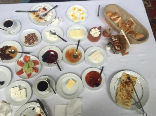 Old Greek House Restaurant and Hotel: JUST A LITTLE BREAKFAST SERVED AT TABLE
