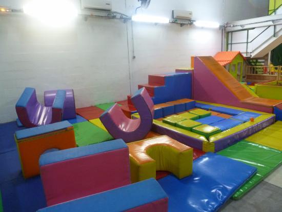 Petit-Bourg, Guadalupe: Place de jeux pour petits