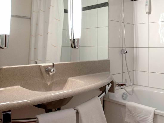 Thielle, Schweiz: Guest Room