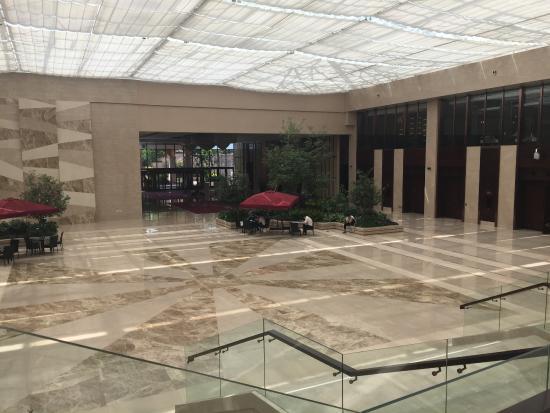 Ji County, China: Lobby lower level