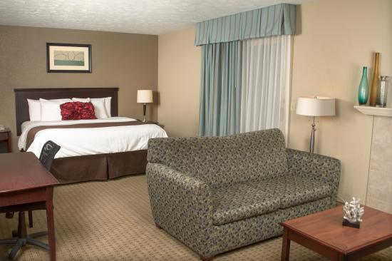 Eastland Suites Hotel & Conference Center: Studio King Suite