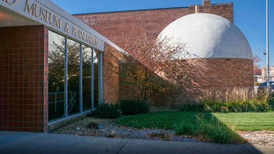 Cherokee, Αϊόβα: The Sanford Museum features the first public planetarium in Iowa