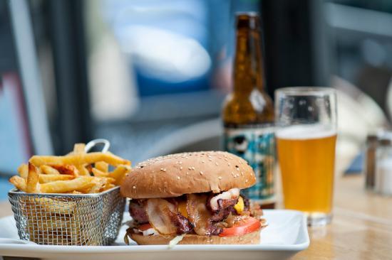 La Factory burger : dayo burger avec punk IPA
