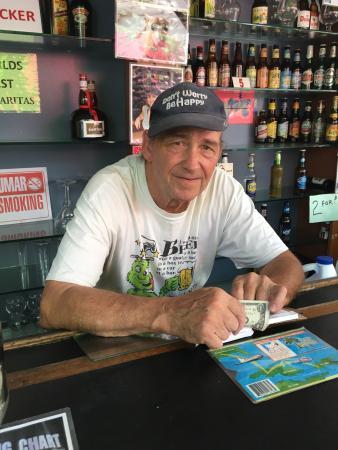 Beuchert's Beer Garden: photo0.jpg