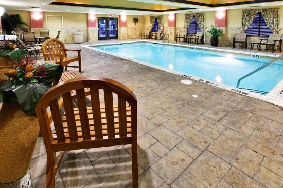 Holiday Inn Hotel Express & Suites West Hurst: Swimming Pool