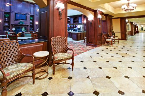 Holiday Inn Hotel Express & Suites West Hurst: Hotel Lobby