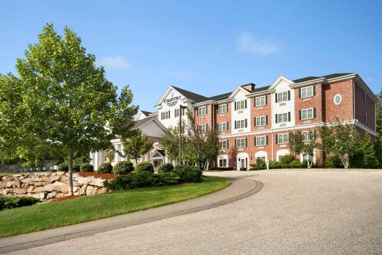 Country Inn & Suites by Radisson, Manchester Airport, NH: Exterior