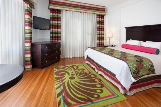 Hotel Indigo San Antonio At The Alamo: Superior Room