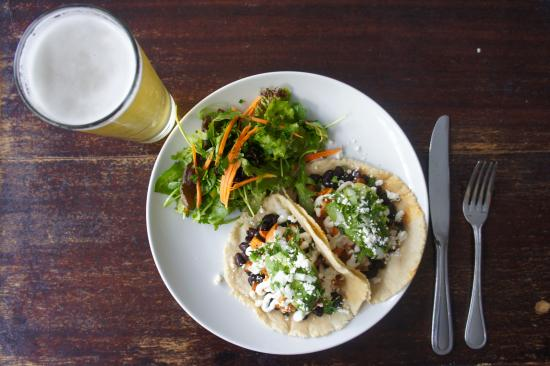 Azu Restaurant & Bar: Vegetarian Tacos