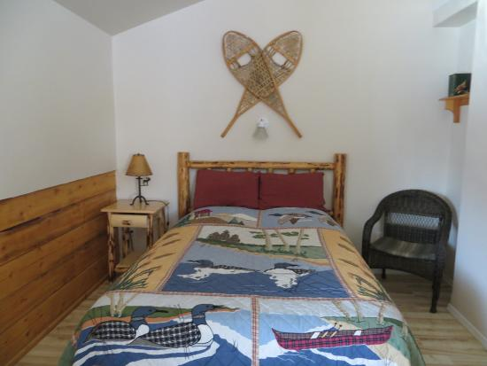 Denali Fireside Cabins & Suites: The second bed in our room