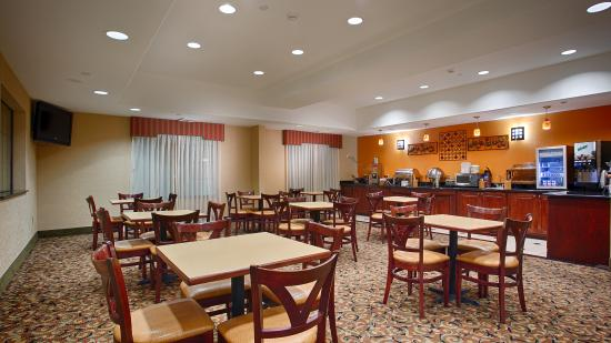 BEST WESTERN PLUS Barsana Hotel & Suites: Breakfast Area