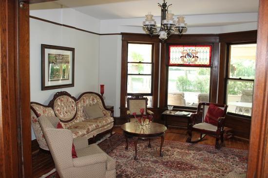 Green Oaks B&B: Guest Sitting Room