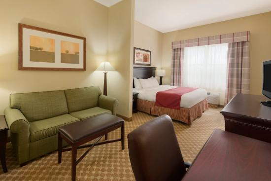 Country Inn & Suites By Carlson, Bradenton at I-75: BFLOStudio Suite