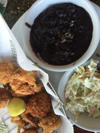 Duffy's Sports Grill: Shrimp with black beans and coleslaw.