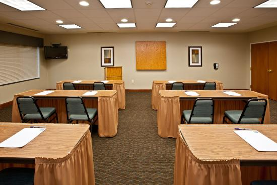 Holiday Inn Express Hotel & Suites Ripley: Holiday Inn Express & Suites-Ripley, WV Meeting Room