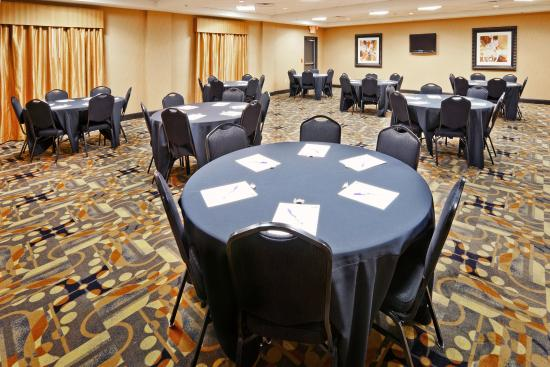 Holiday Inn Express & Suites Denton - UNT - TWU: Meeting Room