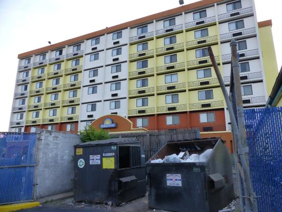 Very dirty Picture of Days Inn